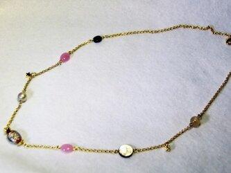 ベネチアンビーズと天然石の可愛いネックレス。の画像