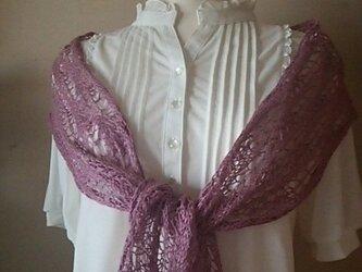 リネンの透かし編みショール ダークピンクの画像