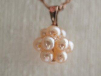 ラズベリーデザイン * パールのネックレスの画像