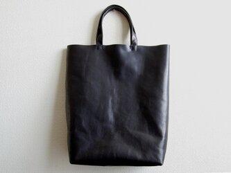 革のトートバッグ A3サイズ 対称縦型デザイン 黒:ブラックの画像