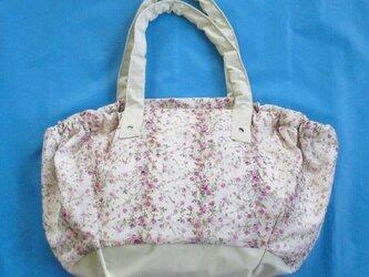 花柄のグラニーバッグの画像