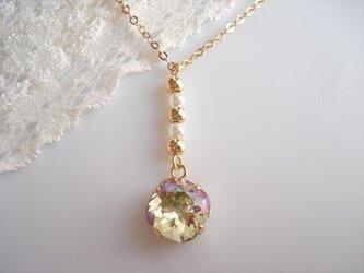 ルミナスグリーンのネックレスの画像