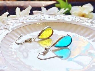 ステンドグラス 雫のピアス~空とレモン~の画像