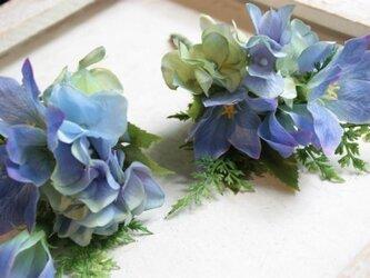 空色紫陽花(あじさい)と青色桔梗☆初夏のコサージュの画像