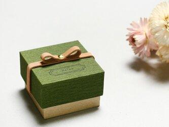 Relax モースグリーン) 気持ちを伝える 本革付 小さな ギフトボックスの画像