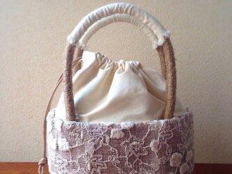 麻で編みあげたかごバッグ♯オフホワイト 巾着カバー付の画像