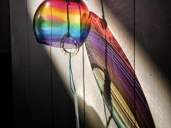 虹色ガラスの風鈴 ・ 丸✩ご注文前にメッセージをお願いいたしますの画像