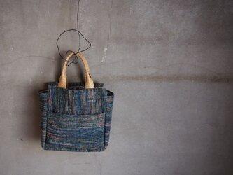 裂き織り/藍染めの 段段 ぐるりんバッグ (+orimi)の画像