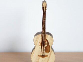 ブローチ music (ギター 弦&ピックガード)の画像