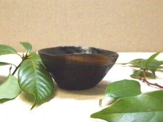 拭き漆栃古び波渕小鉢の画像