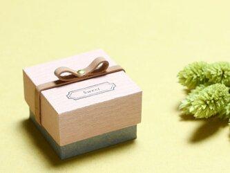 Sweet 桜) 気持ちを伝える 本革付 小さな ギフトボックスの画像