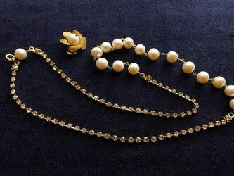 ヴィンテージラインストーンとパールのネックレスの画像
