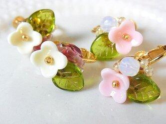 春色お花のイヤリング(ピアス変更可)の画像