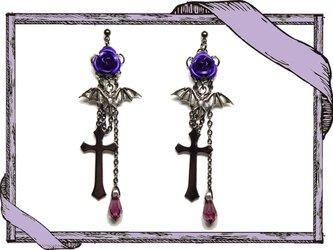 ゴシック・パンク系薔薇&蝙蝠&十字架のピアス/紫イヤリング変更可の画像