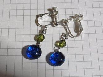 ヒュージングガラスのイヤリングの画像