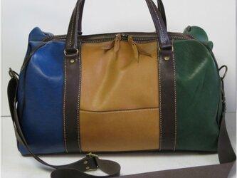 手縫い 牛革三色使いのボストンバッグの画像