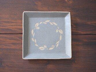 リースの四角皿(空色)の画像