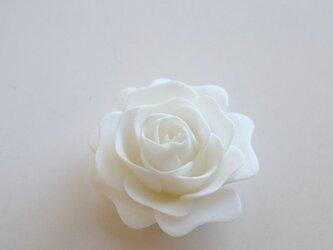 バラ ブローチの画像