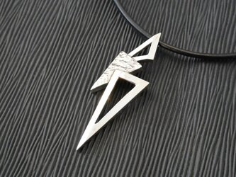 三角さんかく△ネックレスの画像