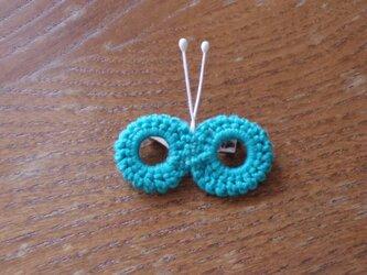 蝶々のミニブローチ ミントブルーの画像