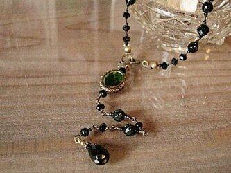 シルクコードのネックレス(オニキス・グリーンゴールドストーン)の画像