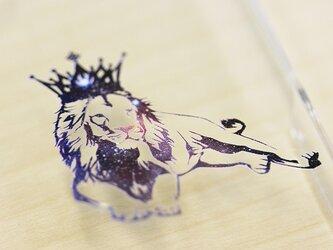 iphon12 ケース 宇宙 王冠 ライオン スマホケースの画像