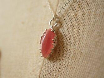 愛の石インカローズのシルバーネックレスの画像
