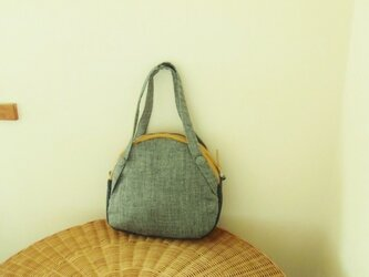 ヘリンボーンのバッグの画像