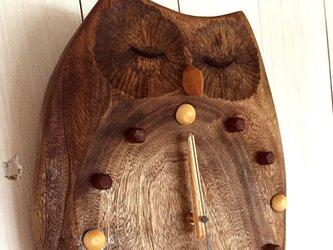 ふくろうの掛時計・瞑想(大)の画像