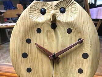 ふくろうの置き時計 お目覚めの画像