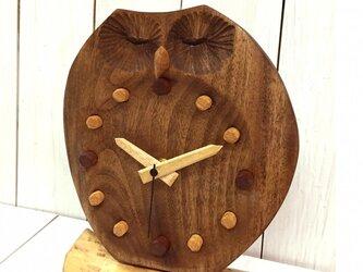 ふくろうの置き時計 瞑想の画像
