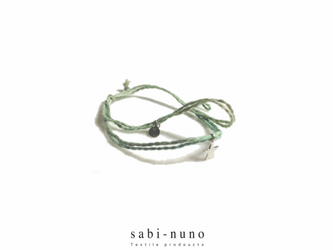 yearn braceletの画像