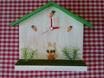 うさぎの時計の画像