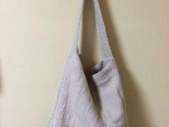 リネンのワンショルダーバッグの画像