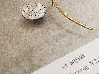 小石と松葉イヤリング/ピアス 淡茶の画像
