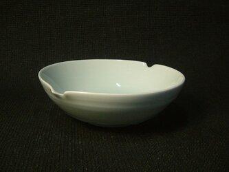 青白磁鉢の画像