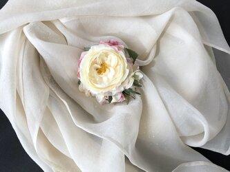 ローズコサージュ&ヘアーアクセサリー クリーム色の画像