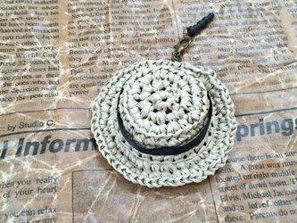 麦わら帽子のイヤホンジャックの画像