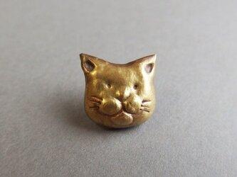 猫の顔のピンブローチの画像