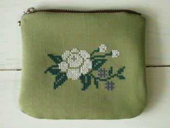 クロスステッチ花刺繍のミニポーチ グリーンの画像
