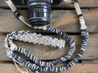 デニム裂き布麻紐ヘンプカメラストラップ(ベルトタイプ)の画像
