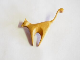 狙うネコ オリーブ材の画像