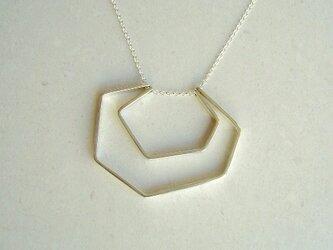 多角形のネックレスの画像