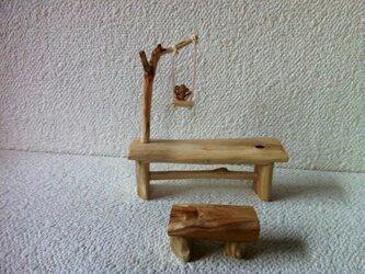 子猿のテーブルの画像