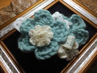 ヘアピンブローチ(モスグリーンのお花)プレリラインの画像