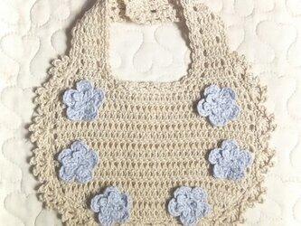 すみれのお花のかぎ編みフリルスタイ   ラテベージュの画像