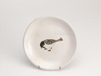 粉引丸皿(俯きスズメ)の画像