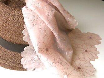 草木染刺繍ハンカチ マーガレット(ピンク)の画像