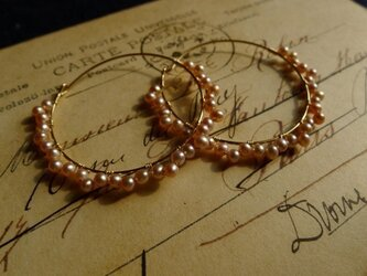 peach pearl hoop pierceの画像