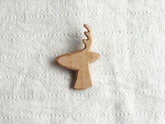 ブローチ 『鹿』 シナ材の画像